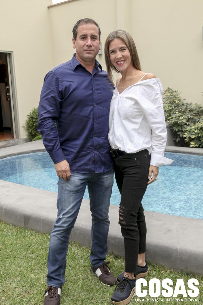 Alonzo Ayllón y Gina Cassinelli