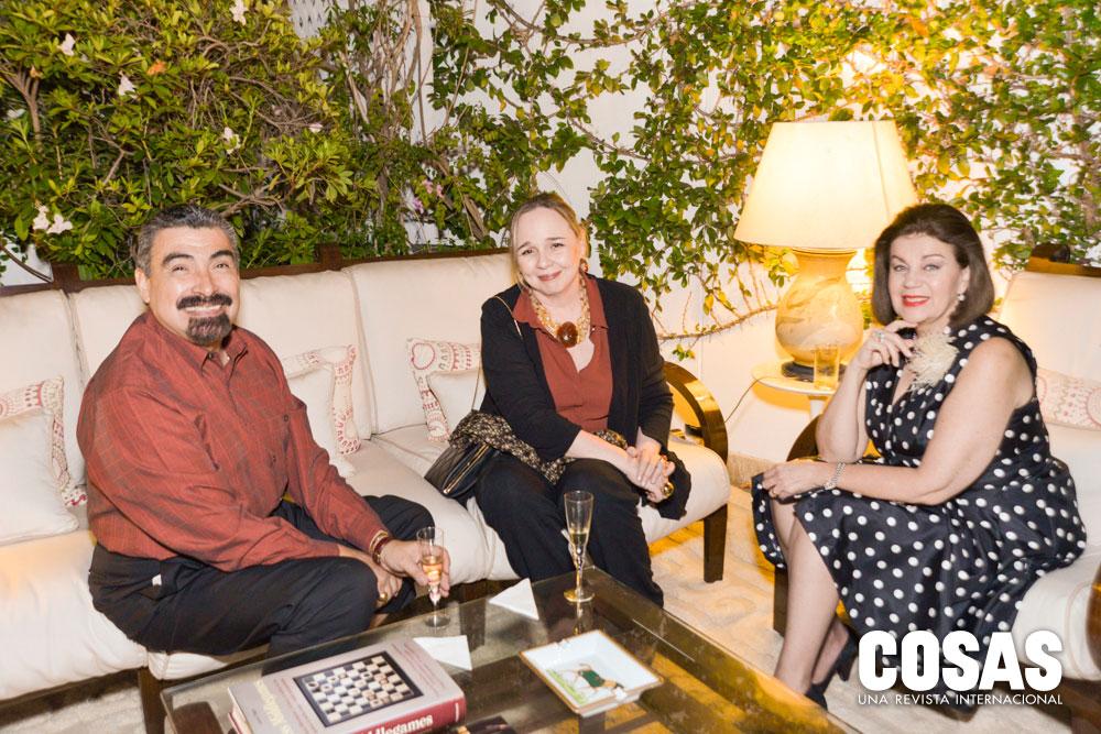 Javier Luna, María Rosa Álvarez Calderón e Yvonne Luna