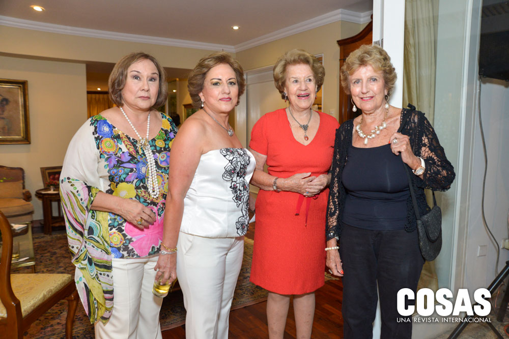 Delia Revoredo, Ana María Brazzini, Rosa Larco y Marita González Orbegoso