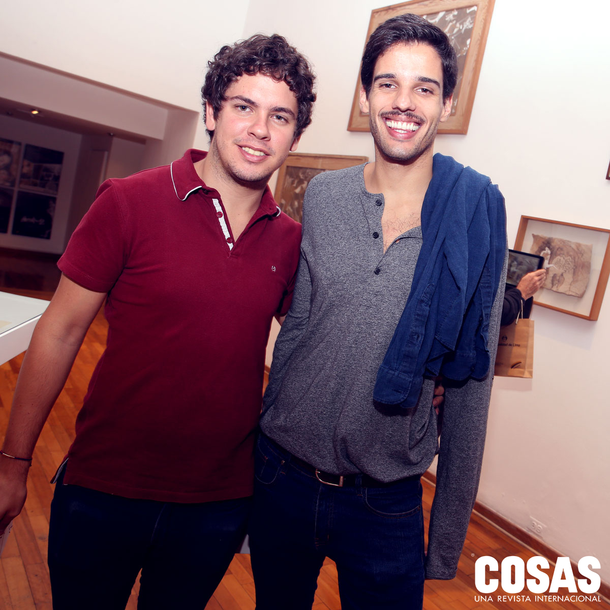 Jose Ignacio Adriansen y Juan Carlos Watson, en la galería Pancho Fierro.