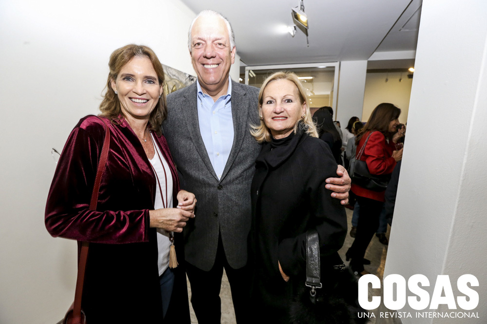 Claudia Ganoza, Alvaro Carulla y Gina Carulla