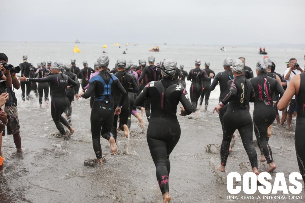 Inicio de la etapa de natación