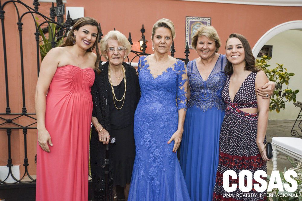 Romina Bryce, Catalina de Col, Lizzi Campodónico, Blanca Campodónico y Doménica Cúneo