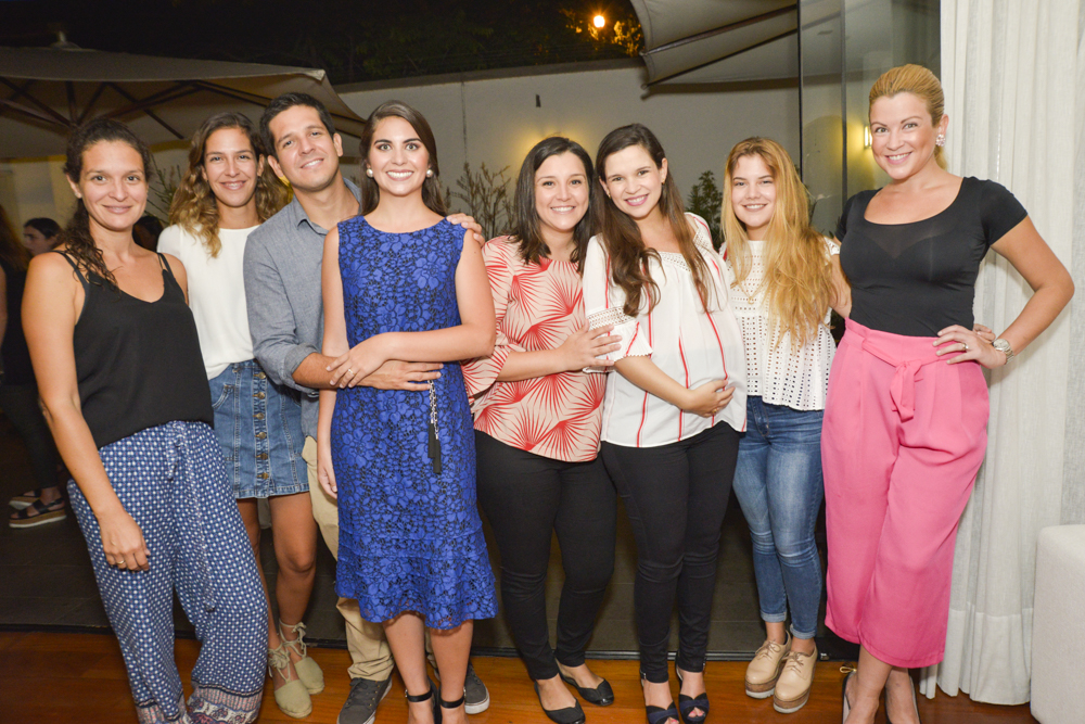 Maricel, Talia y Miguel Seminario, Stephanie Jones, Marisabel Woodman, Mariana, Jessy y Daniel Bazán.